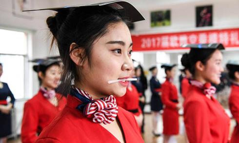 Bên trong trường dạy tiếp viên hàng không ở Trung Quốc