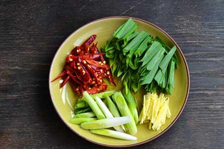 Giới thiệu cách chế biến món chả cá xào tỏi tây  Lap-xuong2-9163-1483945631