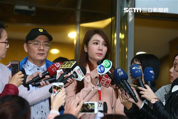 Nữ diễn viên cho biết, khi sang Đài Loan, cô đã được sự tư vấn của ông