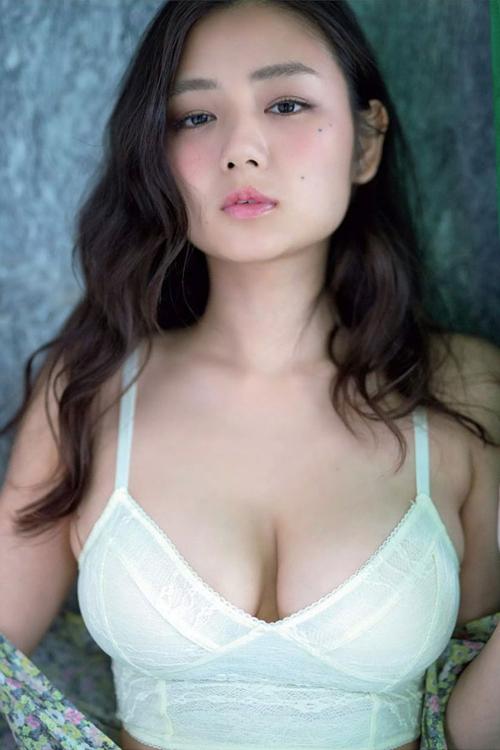 10 mỹ nhân có vòng một quyến rũ nhất Nhật Bản - ảnh 2