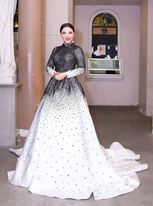 Mai Phương Trang rạng rỡ tại sự kiện Người phụ nữ của năm 2016 - ảnh 3
