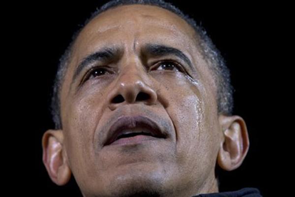 Tổng thống Obama và những lần rơi lệ suốt 8 năm nhiệm kỳ - ảnh 2