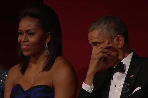 Tổng thống Obama và những lần rơi lệ suốt 8 năm nhiệm kỳ - ảnh 6