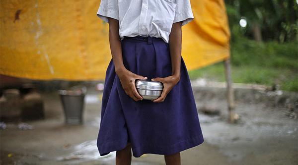 Chấn động: Bé gái 12 tuổi bị hiệu trưởng và 3 giáo viên thay nhau cưỡng bức