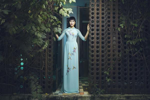 le-hang-lam-nang-xuan-trong-ao-dai-thuan-viet-6