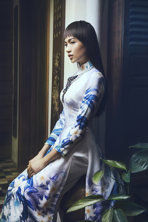 le-hang-lam-nang-xuan-trong-ao-dai-thuan-viet-3