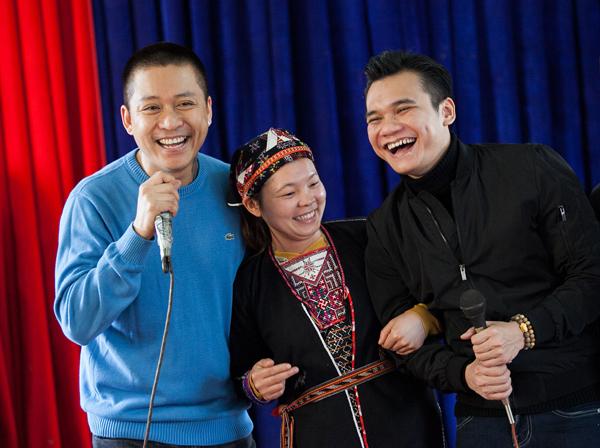 tuan-hung-tang-chan-am-cho-ba-con-vung-nui-5