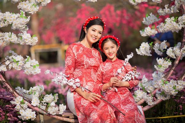 ngoc-han-xung-xinh-ao-dai-cung-dan-mau-nhi-7