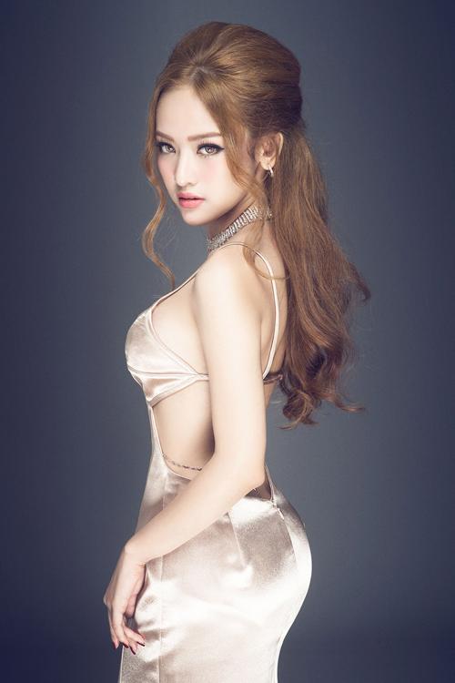 vay-hai-day-hop-mot-cho-nang-sexy-4