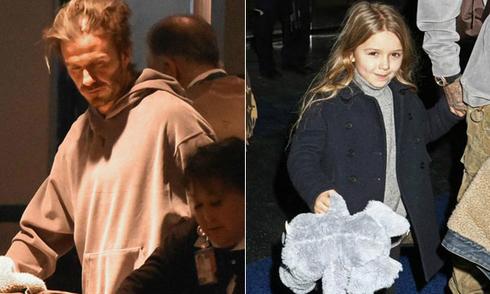 Becks phờ phạc, con gái tươi tắn tại sân bay