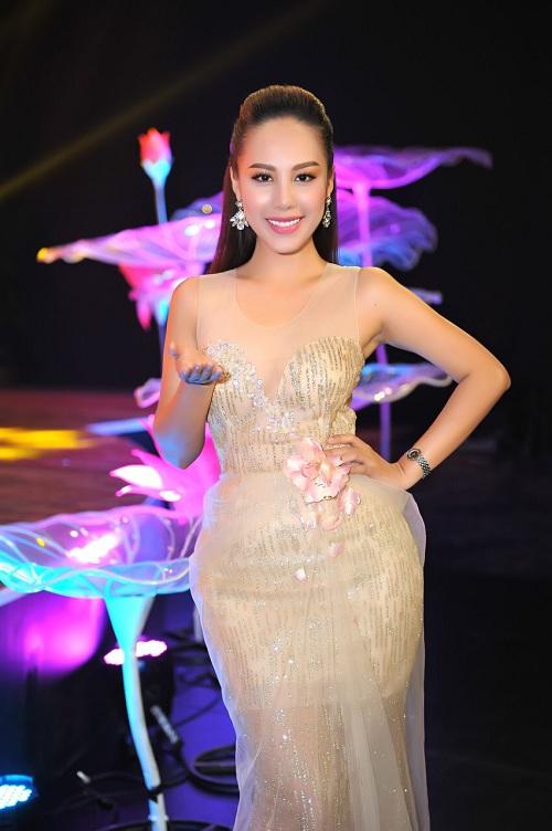 MC Đỗ Phương Thảo quyến rũ tại sự kiện ra mắt gameshow - ảnh 3