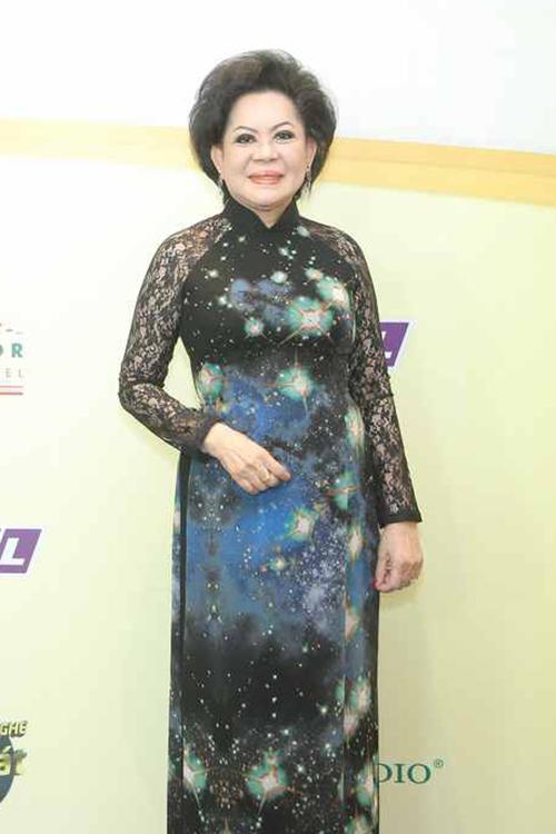 phuong-trinh-jolie-dien-ao-dai-van-sexy-6