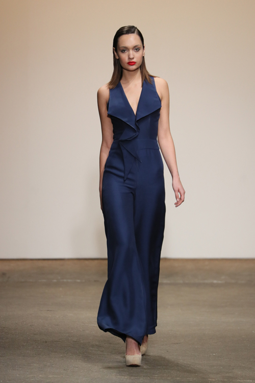 nha-thiet-ke-viet-trinh-dien-tai-new-york-fashion-week-3