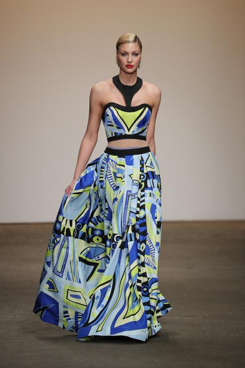 nha-thiet-ke-viet-trinh-dien-tai-new-york-fashion-week-6