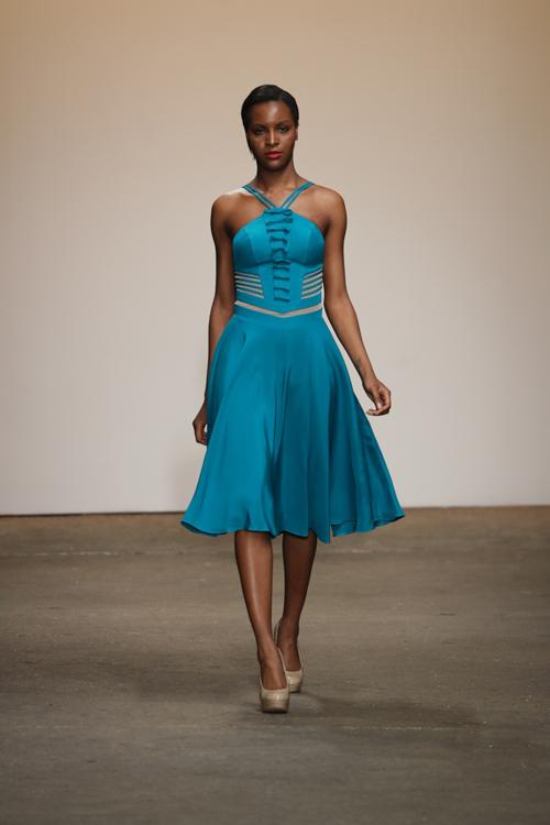 nha-thiet-ke-viet-trinh-dien-tai-new-york-fashion-week-5