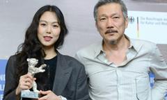 Kim Min Hee tuyên bố yêu đạo diễn có vợ khi nhận giải ở LHP