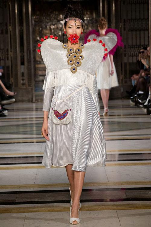 hoang-thuy-tiep-tuc-trung-4-show-tai-london-fashion-week-7