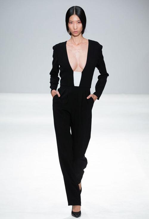 hoang-thuy-tiep-tuc-trung-4-show-tai-london-fashion-week-6