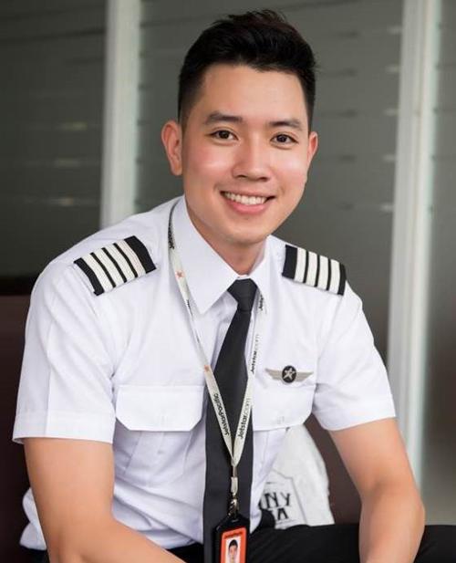 Cơ trưởng trẻ nhất Việt Nam trải lòng về chuyện máy bay trễ giờ