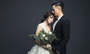 Hot girl Ngọc Mon hạnh phúc viên mãn bên chồng kém tuổi