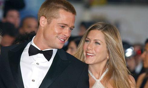 Brad Pitt nhắn tin cho Jennifer Aniston sau khi chia tay Jolie