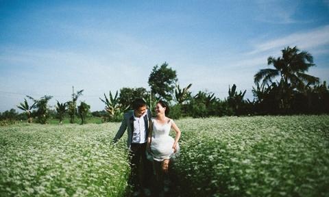 Chụp ảnh cưới giữa cánh đồng ngò rí ở Vũng Tàu