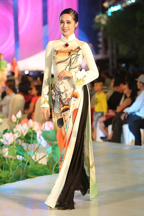 thuy-ngan-lam-vedette-dien-trong-le-hoi-ao-dai-5