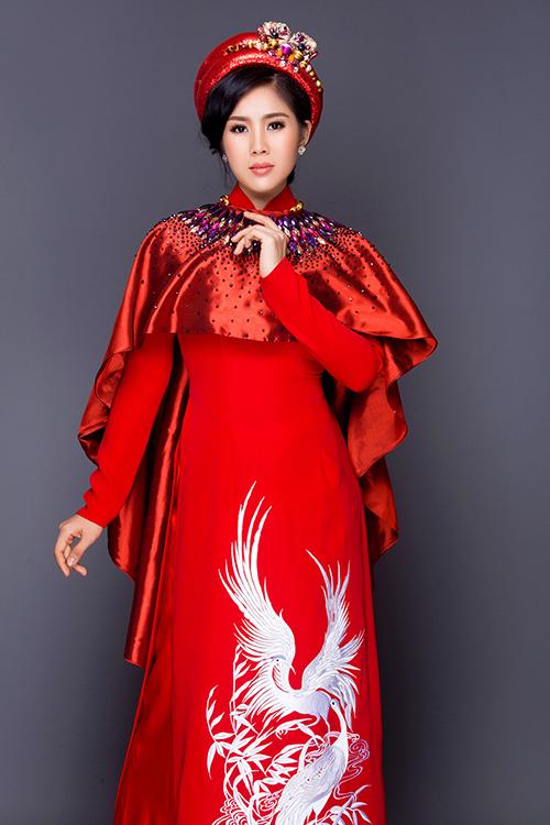 le-phuong-diu-dang-dien-ao-dai-hoa-lam-co-dau-6