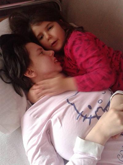 Danijela Kovacevic và con gái.