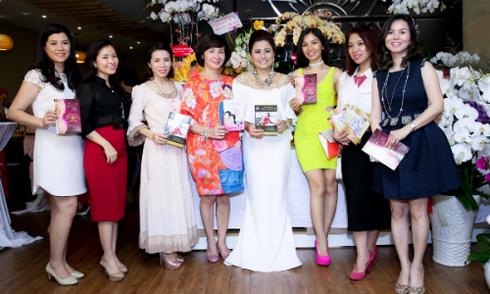 Dàn người đẹp rạng rỡ mừng tuổi 20 của Nhật Vy Spa
