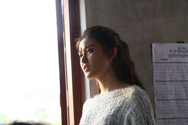 Trong phim, Á hậu phải thực hiện rất nhiều cảnh gào khóc và đó quả thực là một thách thức đối với cô. Ngoài đời thường My vốn là cô gái hồn nhiên, tinh nghịch rất ít khi mít ướt, chính vì thế nên khi phải đóng quá nhiều cảnh khóc trong bộ phim này đã khiến My nhiều lúc phải bối rối. Đó quả thực là những cảnh quay khó nhất với My. Những lúc này, nhớ lại những bộ phim Hàn Quốc mà diễn viên chính khóc rất ngon lành và tự nhiên mới thấy không hề dễ dàng và thực sự khâm phục họ.