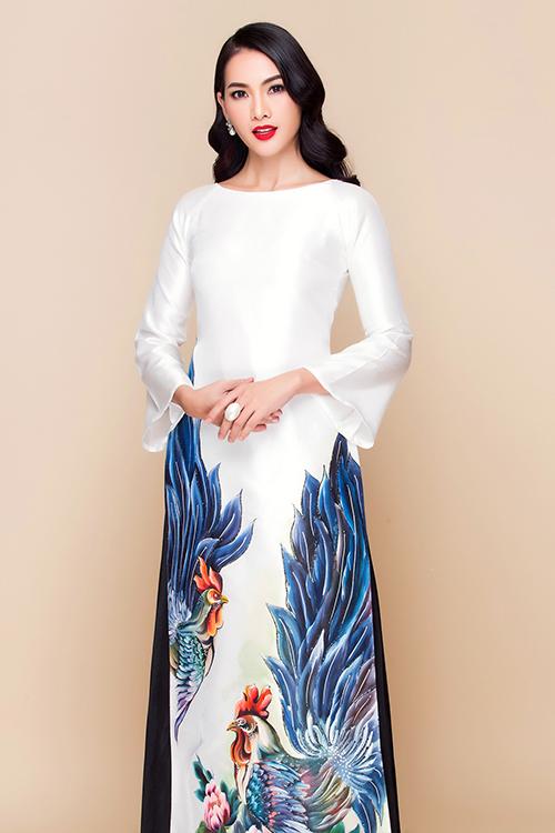 [Caption]Những mẫu áo dài cưới trung niên hiện nay dần đa dạng về màu sắc và phong cách. Điều này giúp mẹ uyên ương có nhiều lựa chọn hơn khi tìm kiếm mẫu áo diện trong ngày cưới con cái.