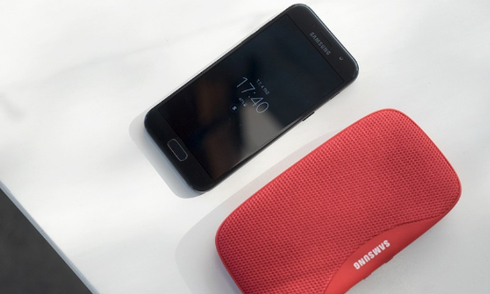 Mua Galaxy A3 2017, tặng thêm loa Bluetooth tại FPT Shop