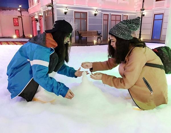 Các bạn trẻ yêu thích sự sáng tạo với những hình thù ngộ nghĩnh nặn từ tuyết , Sở hữu những tấm hình độc đáo trong khung cảnh trời tuyết bao phủ. Và cùng trải nghiệm cảm giác mạnh khi trượt tuyết thật sự.