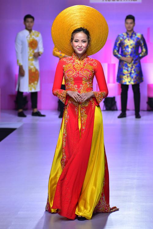 hoa-khoi-khanh-ngan-long-lay-voi-ao-dai-do-ruc-1