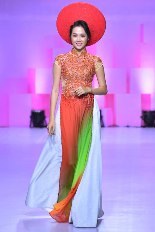 hoa-khoi-khanh-ngan-long-lay-voi-ao-dai-do-ruc-3