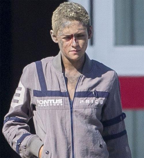 Kristen Stewart mặt bầm dập ở trường quay - ảnh 3