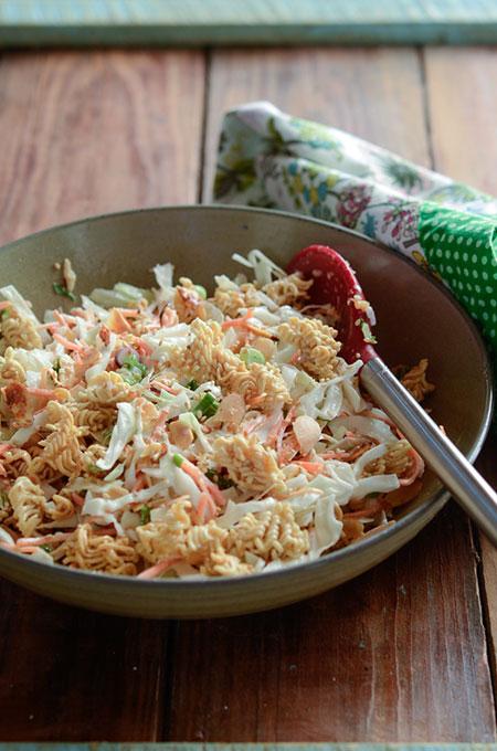 salad-mi-ramen-tron-cai-bap