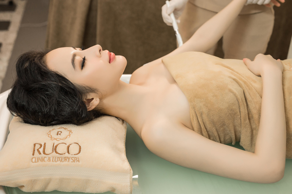 phuc-hoi-lan-da-voi-lieu-trinh-trang-bat-tong-luxury-skin-4