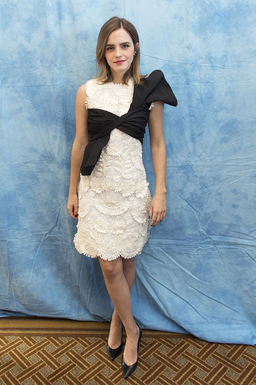 emma-watson-bien-hoa-style-khi-quang-ba-beauty-and-the-beast-9