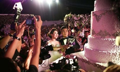 Bên trong đám cưới 6 tỷ đồng của nữ đại gia 9X
