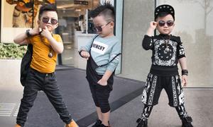 Bé trai 4 tuổi nhí nhảnh với phong cách 'cực ngầu'