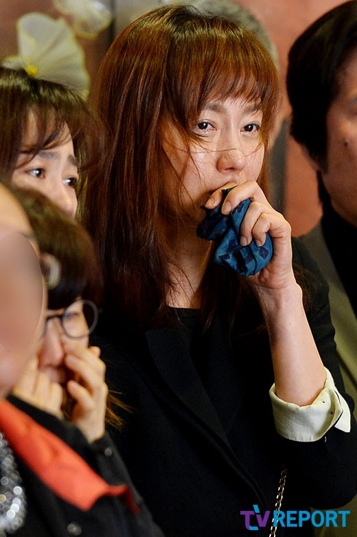 dan-sao-han-nghen-ngao-tien-dua-ngoi-sao-quoc-dan-kim-young-ae-9