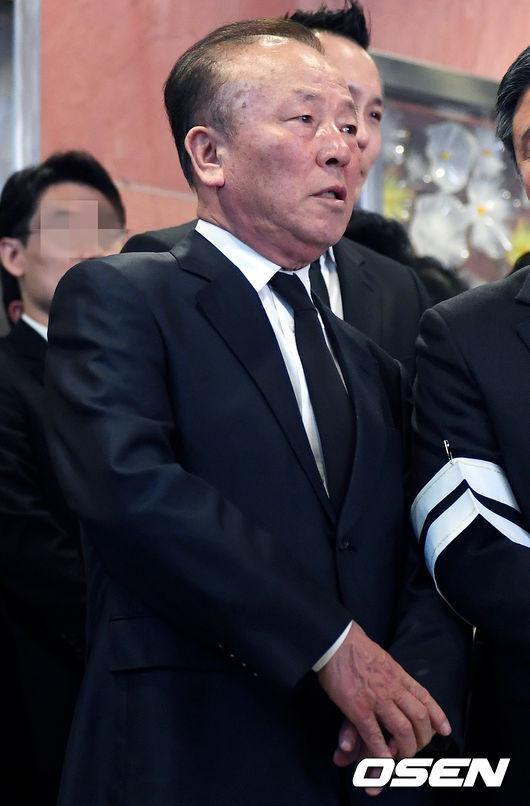 dan-sao-han-nghen-ngao-tien-dua-ngoi-sao-quoc-dan-kim-young-ae-5