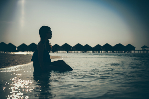 video-o-maldives-cua-vo-chong-viet-xon-xao-cong-dong-phuot-the-gioi-4