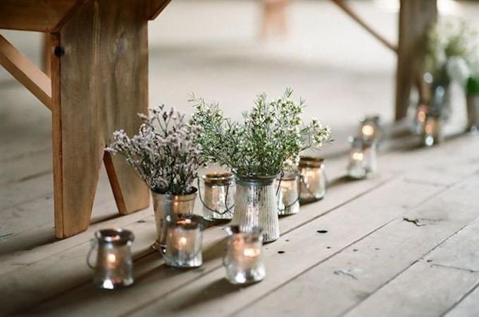 [Caption]Một vài nhánh rau thơm như bạc hà hay hoa lavender hoặc những chùm hoa, quả lựu nhỏ sẽ khiến hoa cưới của bạn gây được ấn tượng mạnh