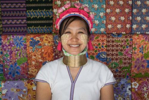 bo-toc-thai-lan-deo-vong-nhu-huou-cao-co-de-lam-dep-1