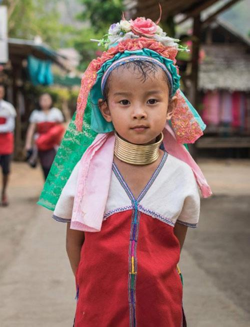 bo-toc-thai-lan-deo-vong-nhu-huou-cao-co-de-lam-dep-6