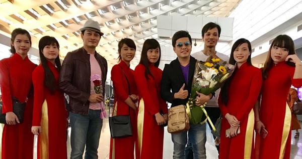 Nghệ sĩ Lệ Thủy cùng con trai Dương Đình Trí sang Đài Loan lưu diễn
