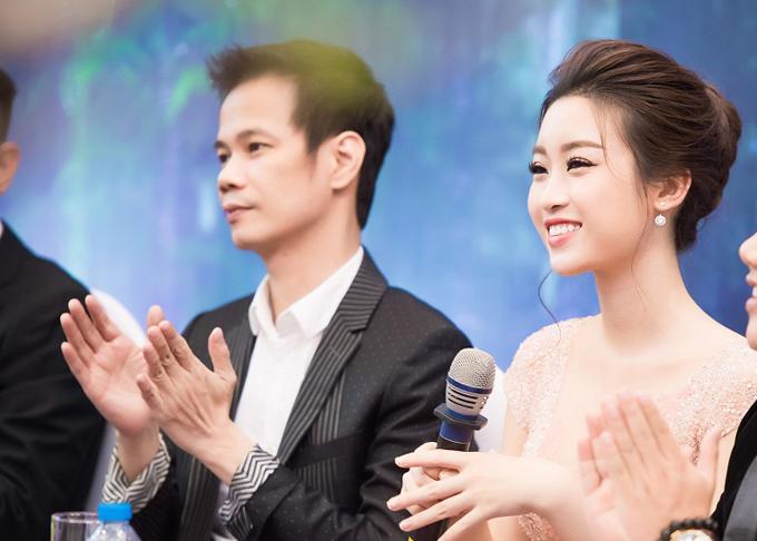do-my-linh-dien-dam-cong-chua-di-xe-sang-den-su-kien-7